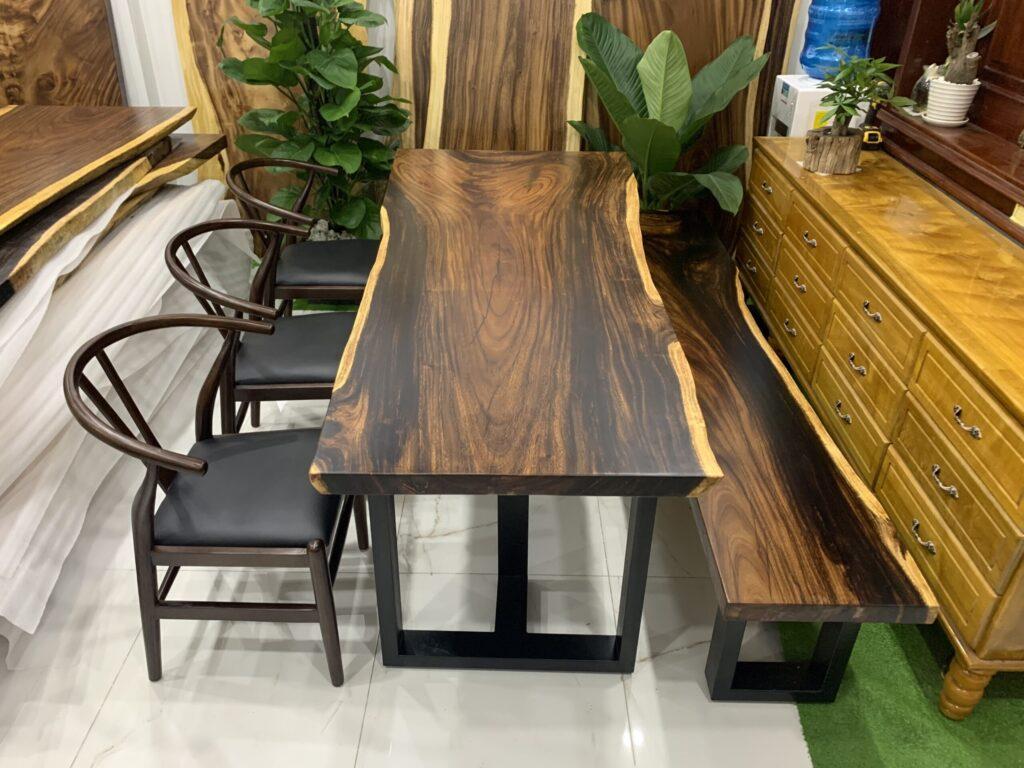 Kiểu ghế kết hợp với bàn nguyên khối me tây