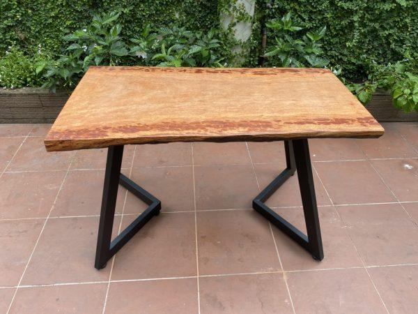 Bàn gỗ gụ nguyên tấm 1m2