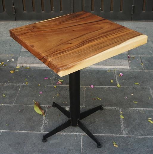 bàn cafe gỗ me tây chân trụ sắt chữ thập