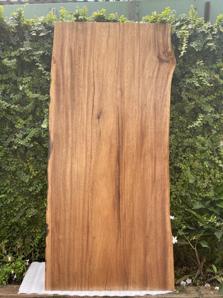 Bàn ăn gỗ Lim Tali nguyên tấm dài 1.8m