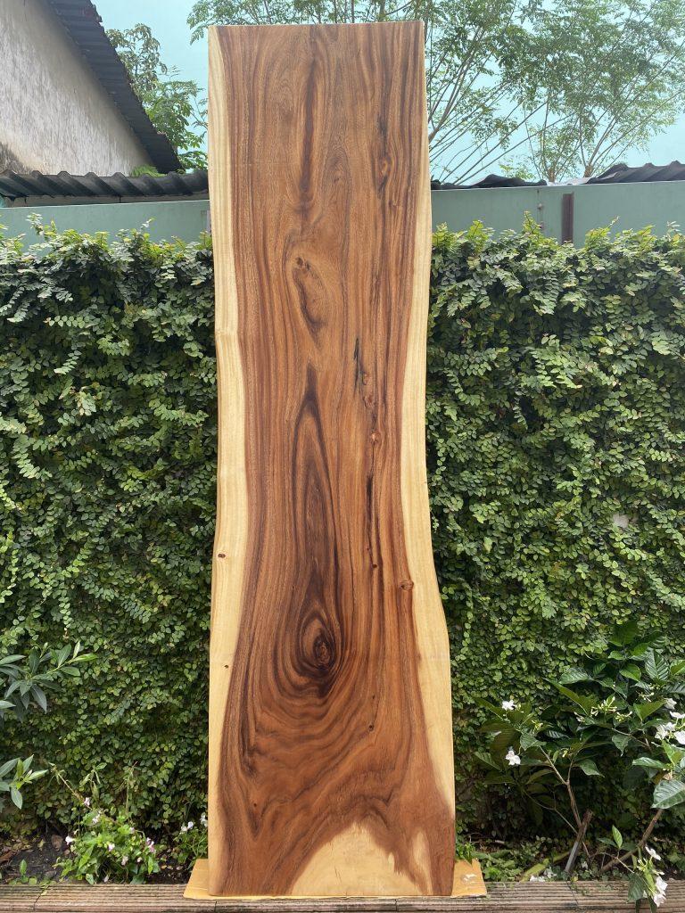 bàn ăn sang trọng từ gỗ me tây nguyên tấm