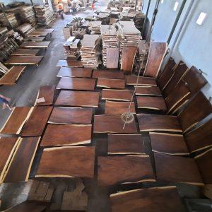 Giá mặt bàn gỗ me tây nguyên tấm
