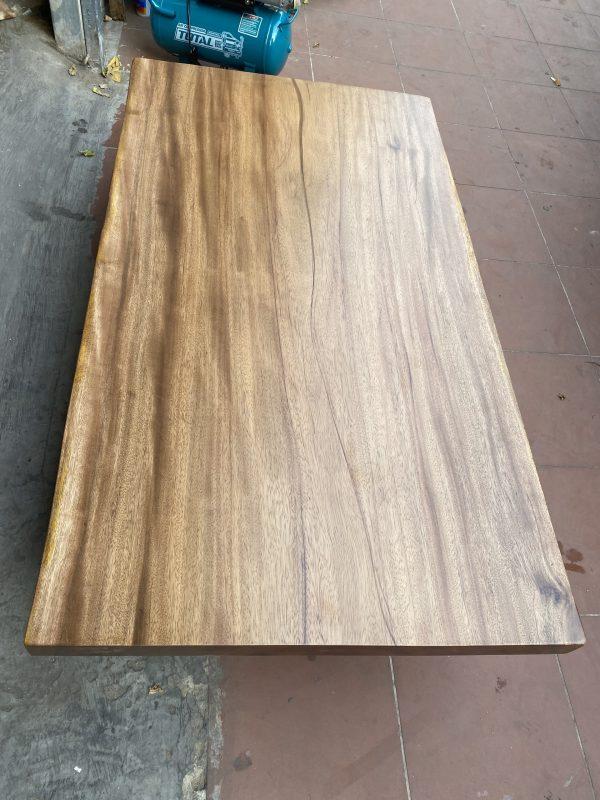 bàn ăn gỗ Lim sang trọng, phong phú dài 1m6 dành cho 4-6 ghế ngồi thoải mái