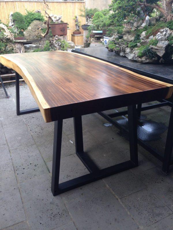 bàn gỗ Me Tây nguyên tấm sang trọng , phong phú