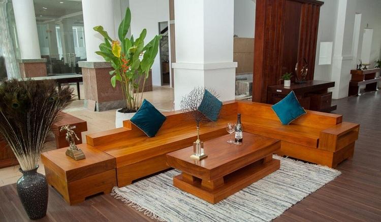 Sofa gỗ nguyên khối kích thước chuẩn bao nhiêu ?