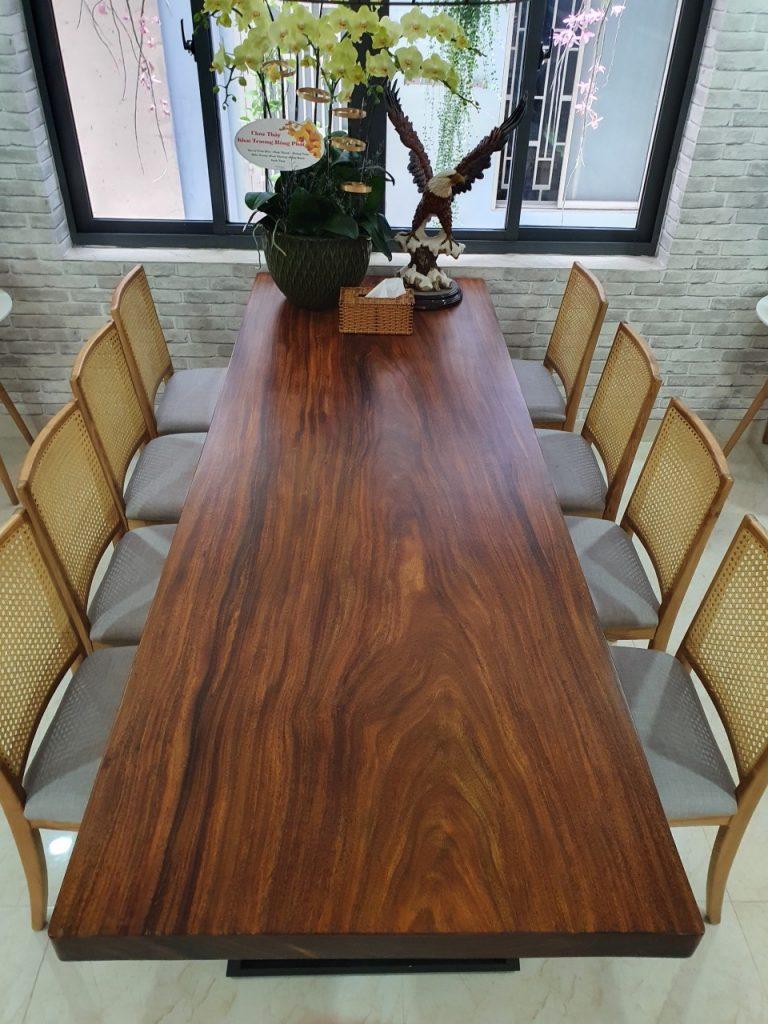 Gỗ Lim Okan làm bàn nguyên tấm có bền không