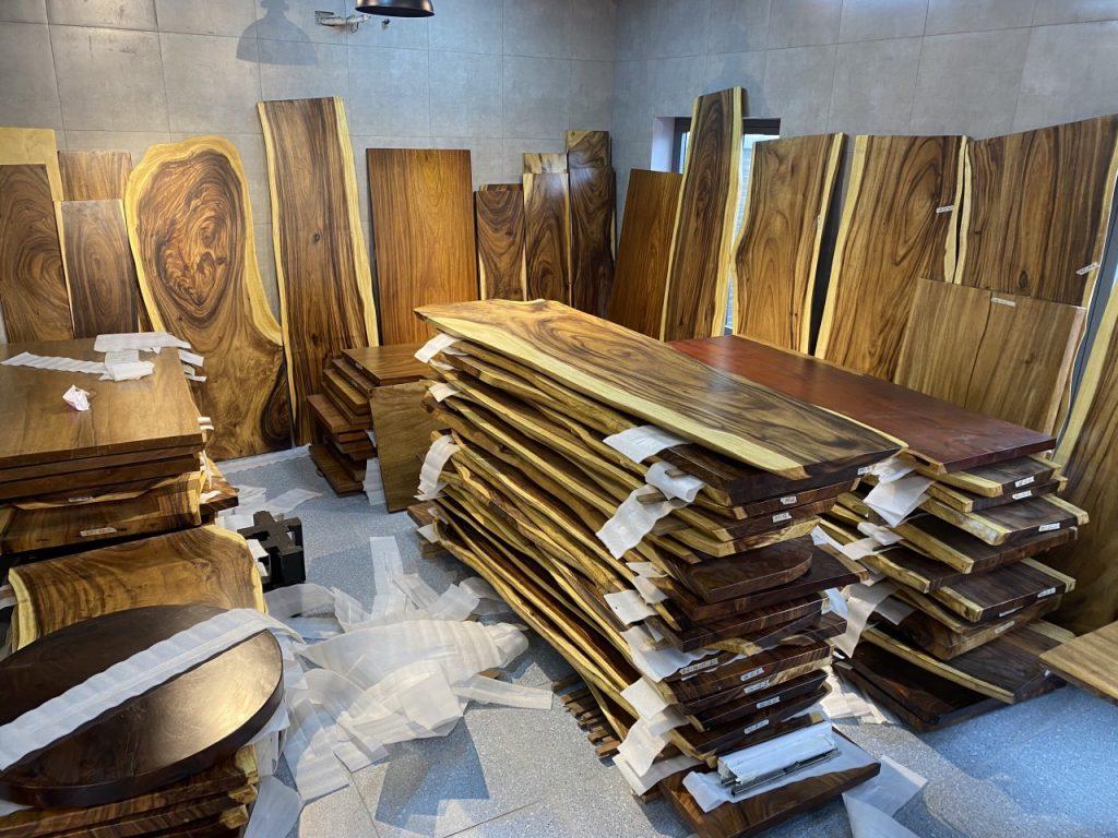 Giá bán bàn gỗ me tây rẻ nhất 2020